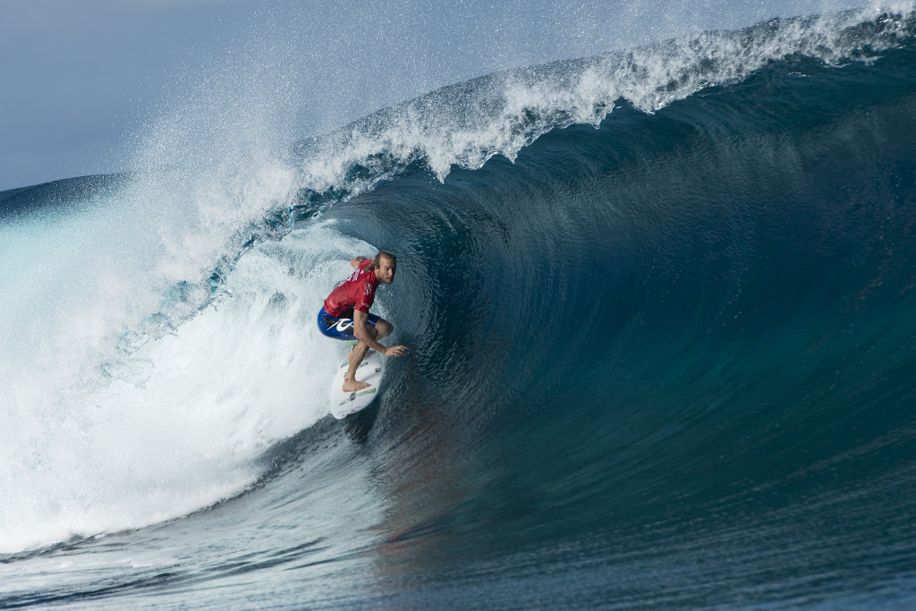 Wright winning his Round 3 heat with a near perfect 9-point ride to advance into Round 4.
