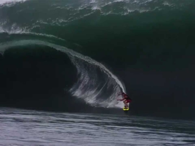 The Best Web Clip Ever: Teahupoo Code Red