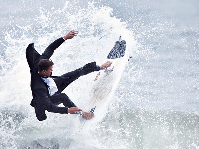 20150514_slpf_black_tux_02_surf_land_card_01_0085