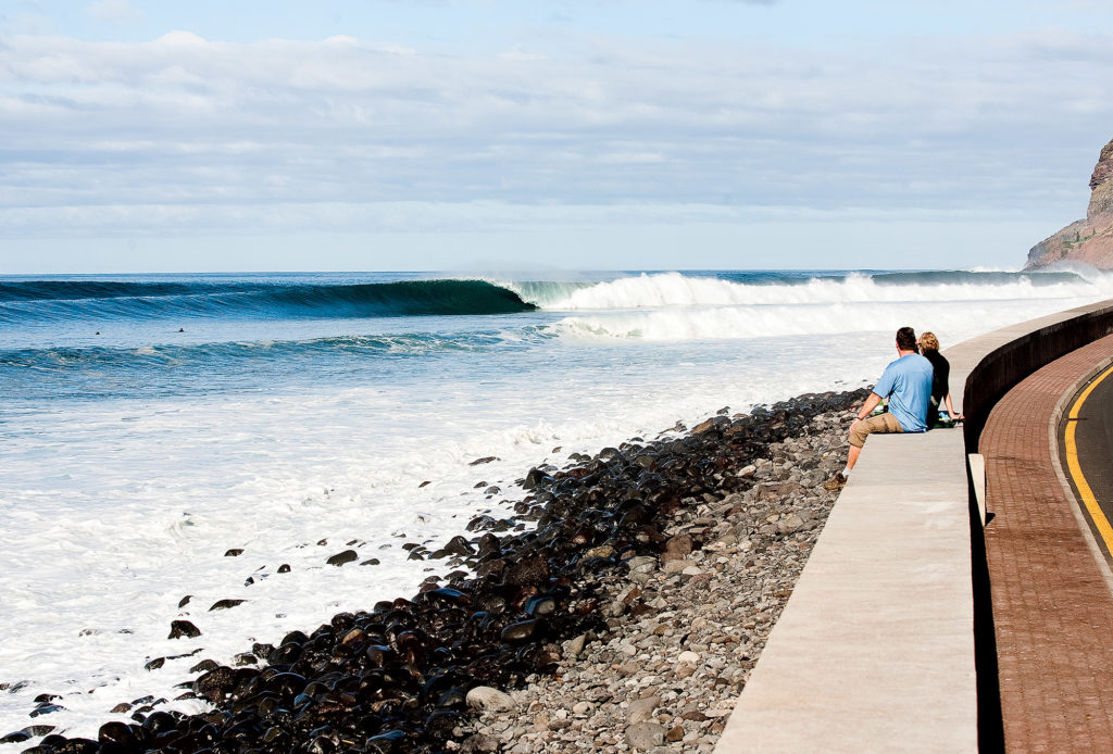 THE ALTERNATIVE SURF SPOT GUIDE
